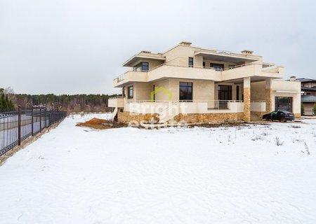 Купить загородную резиденцию 2300 кв.м. в КП Третья Охота. ID 2954