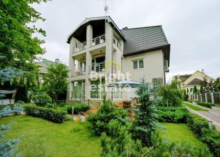 Купить 3-этажный готовый коттедж в поселке Рублевский. ID 3544