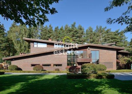 Купить дом 1254 кв.м. в коттеджном поселке Резиденции Бенилюкс. ID 9307