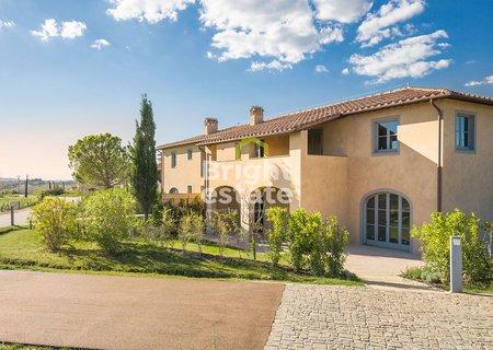 Купить апартаменты с террасой в ЖК Castelfalfi Toscana Resort. ID 9809