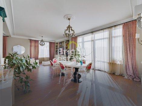 Продажа готового загородного коттеджа 554,7 кв.м в КП Бенилюкс. ID 10269