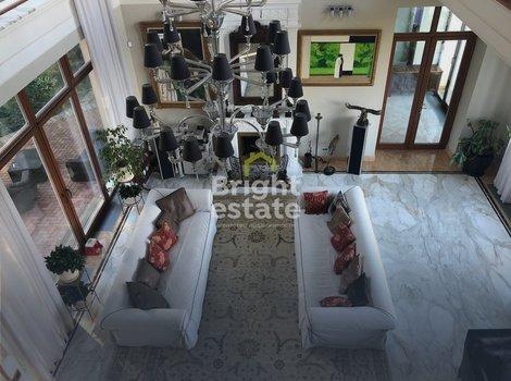Купить загородный дом 1000 кв.м. под ключ в поселке Бенилюкс. ID 10994