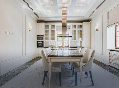 Купить дом в классическом стиле в загородном поселке Жуковка 21. ID 11560