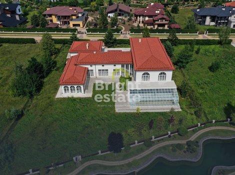 Резиденция 1500 кв.м. в поселке Миллениум Парк на Новой Риге. ID 11973