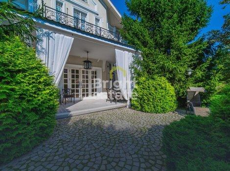 Готовый загородный дом в коттеджном поселке Резиденции Бенилюкс. ID 12079
