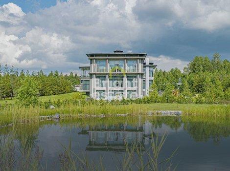 Купить загородный особняк 1400 кв.м. в поселке Котово на Новой Риге. ID 12726
