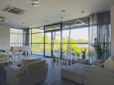 Купить загородную резиденцию 1100 кв.м. в поселке Береста. ID 12835