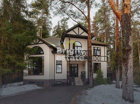 Купить загородный коттедж в поселке Новорижский-Борки. ID 13261