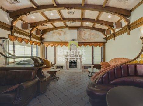 Купить готовый особняк в загородном поселке Корабельные сосны. ID 3438