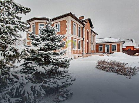 Купить особняк 1200 кв.м. в поселке Ильинское. ID 4665