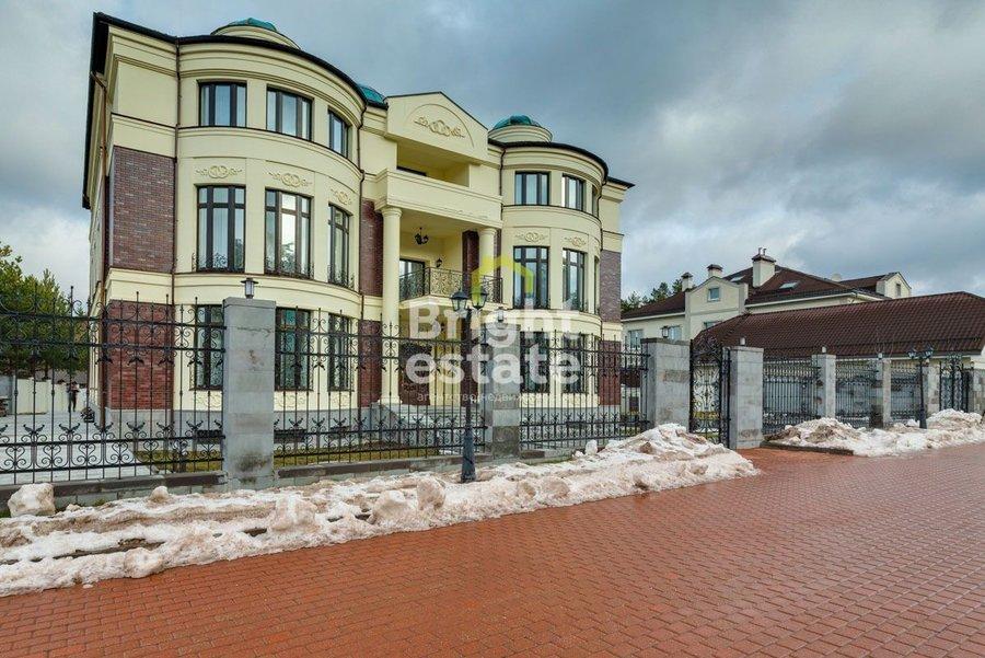 Продажа коттеджа 2000 кв.м. в поселке Романово-2. ID 11182