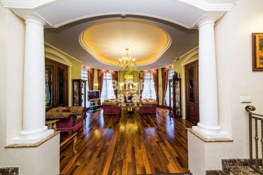 Продажа изысканной резиденции в поселке Резиденции Бенилюкс. ID 9104