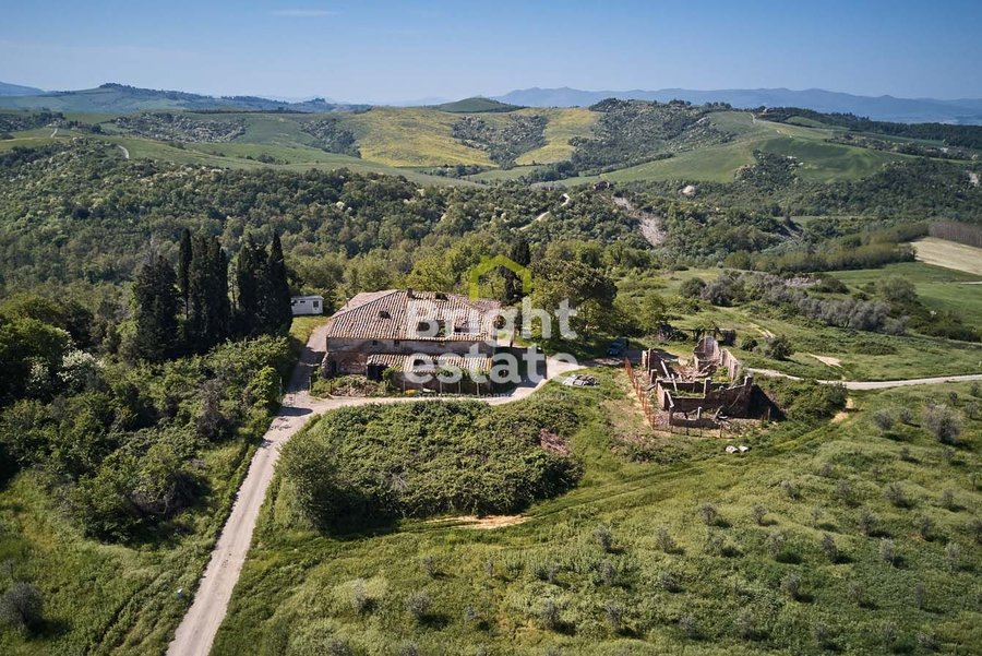 ЖК Castelfalfi — Продажа виллы Rignano в Тоскане. ID 9821