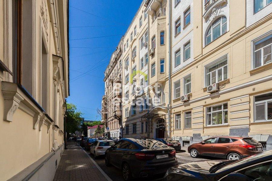 Аренда трехкомнатной квартиры 135 кв.м. на улице Малая Дмитровка 23/15с1. ID 9938